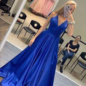 Royal Plunging V-neck Lace Up Open Back prom dress